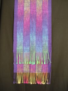 Shawl with colors in stripes
